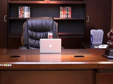 办公室家具定制需要注意哪些方面,日常保养的时候应该怎么做?