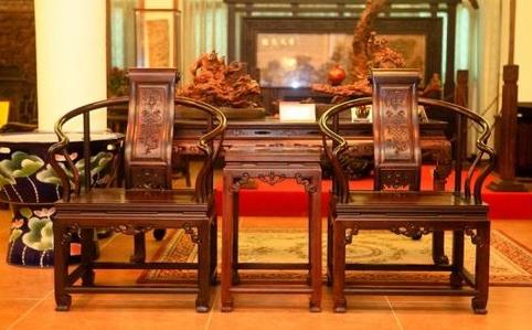 为什么老板们都喜欢红木家具,红木家具的优点你知道吗?