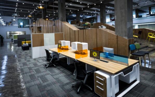 南京智能办公家具的优点是什么,选购时需要注意哪些事项?